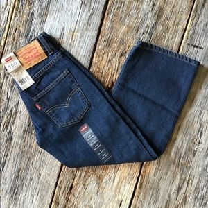 NWT Youth Levi's size 8 (24x22)